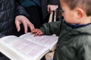 child-reading-Bible