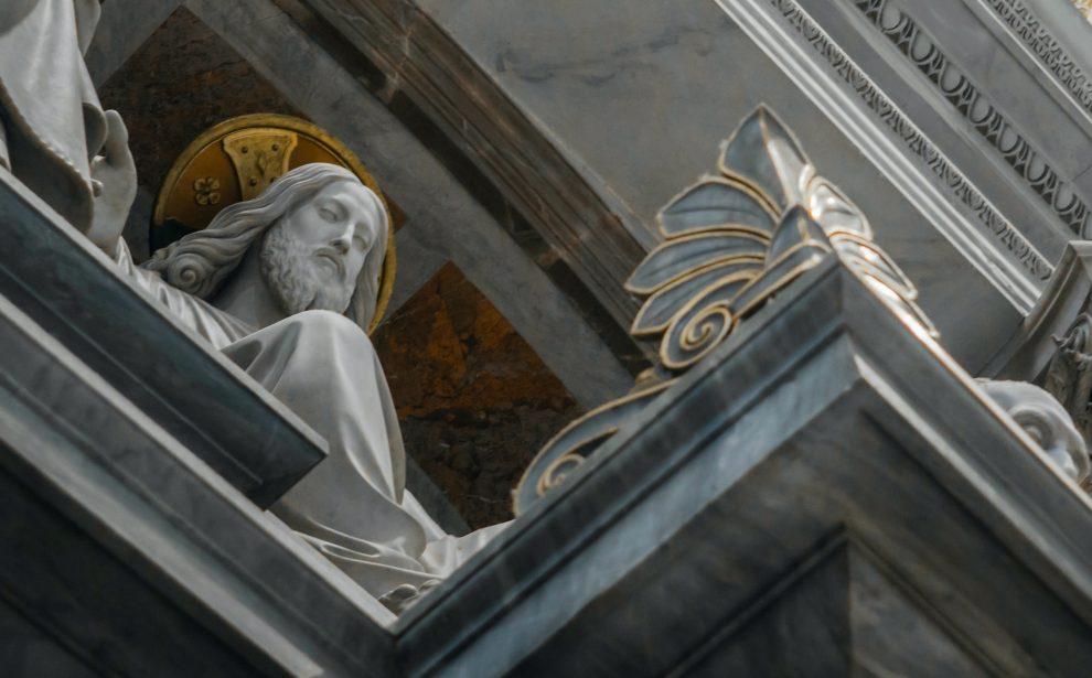 Jesus-statue-in-St-Peters-basilica