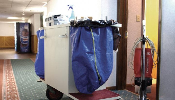 housekeeping-hotel-cart