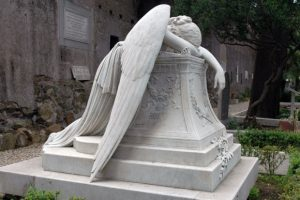 an-angel-on-tombstone