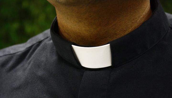 man-wearing-a-roman-collar