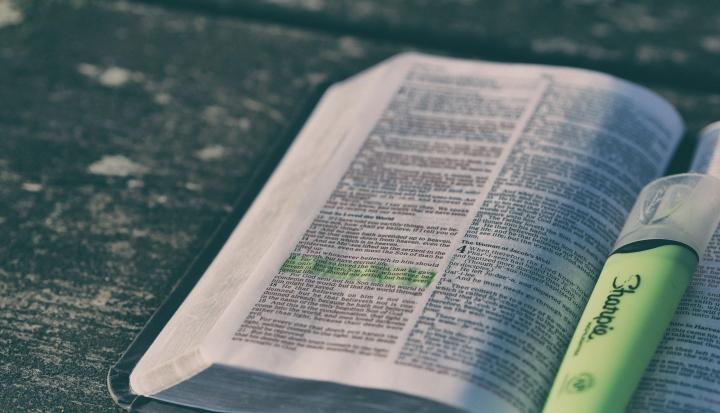Bible_unsplash