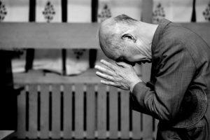 kneeling man_wikimedia