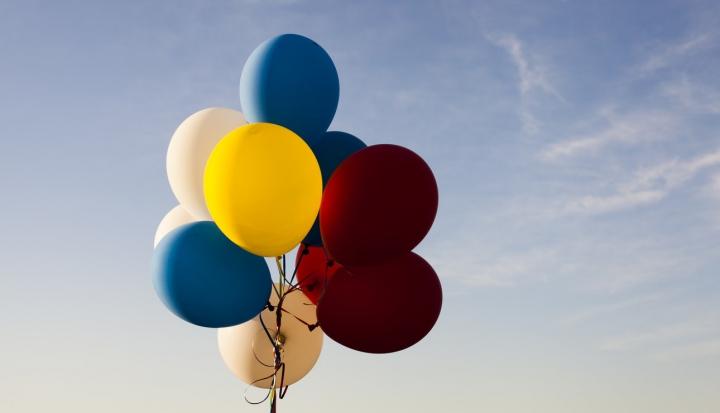 balloon rosary_unsplash