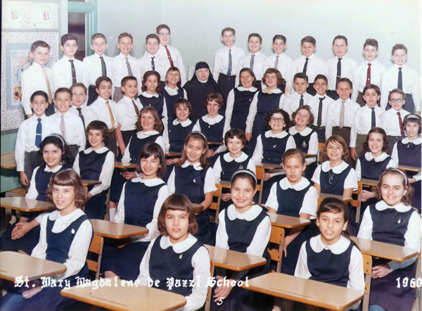classroom-full-of-students-wearing-uniforms