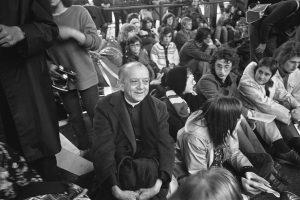 helder-camara-sitting-with-students