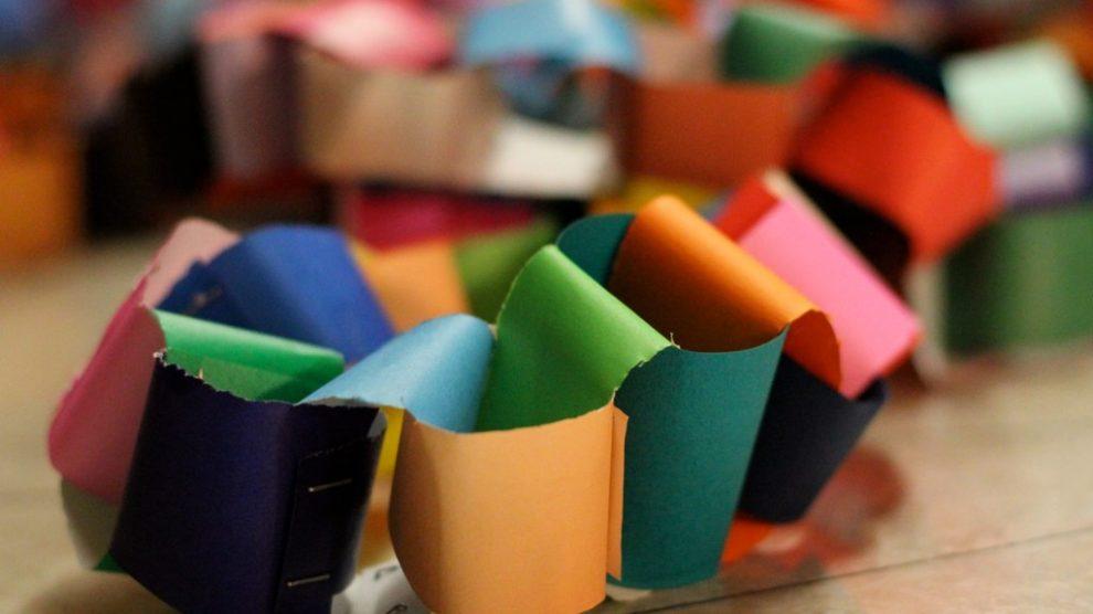 colorful-paper-chain
