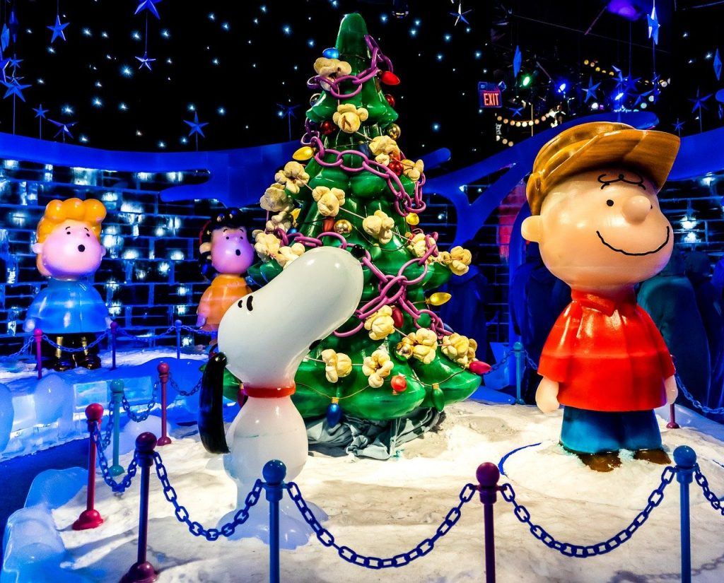 Charlie, Snoopy, and the Tree