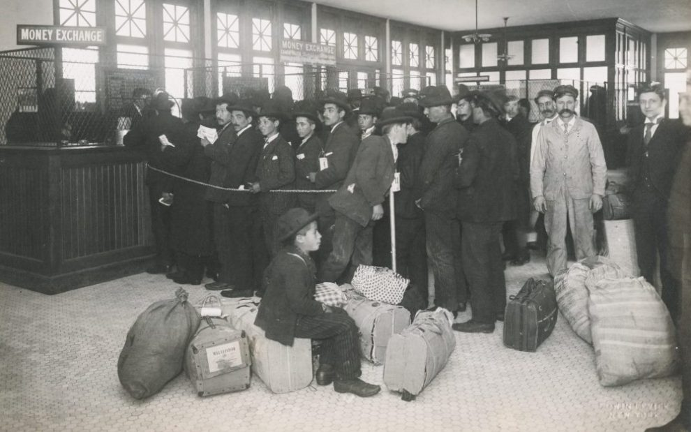 immigrants-with-baggage