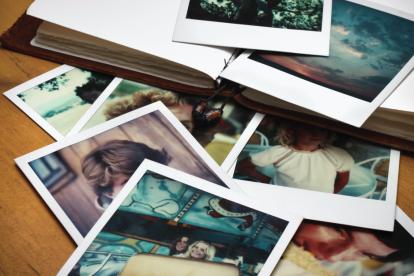 disorganized-family-photos