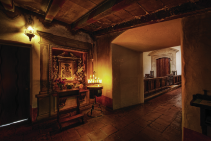corner-altar-with-candles-in-old-church
