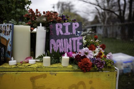 R-I-P-Daunte-with-flowers