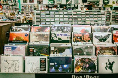 shelf-full-of-vinyl-records