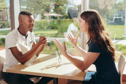couple-arguing-in-a-restaurant