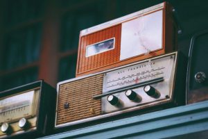 old-fashioned-radio