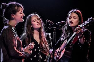 the-staves-perform-live-in-2017