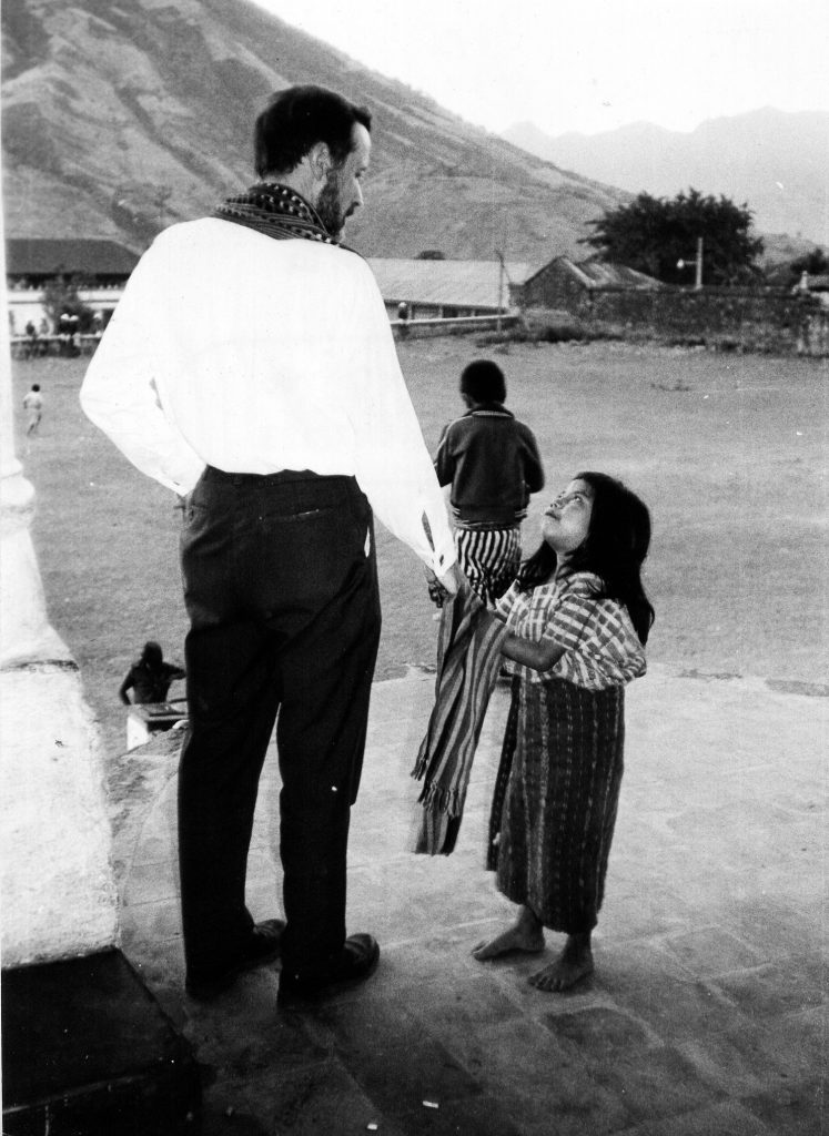 father-rother-and-little-girl