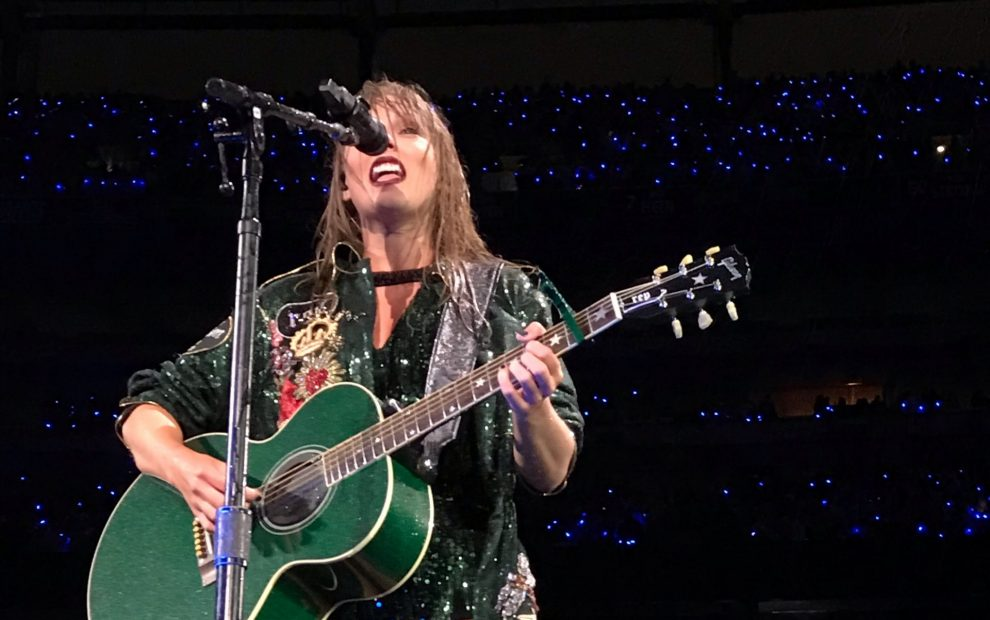 taylor-swift-performing-2018