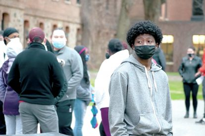 student-wearing-mask-on-campus
