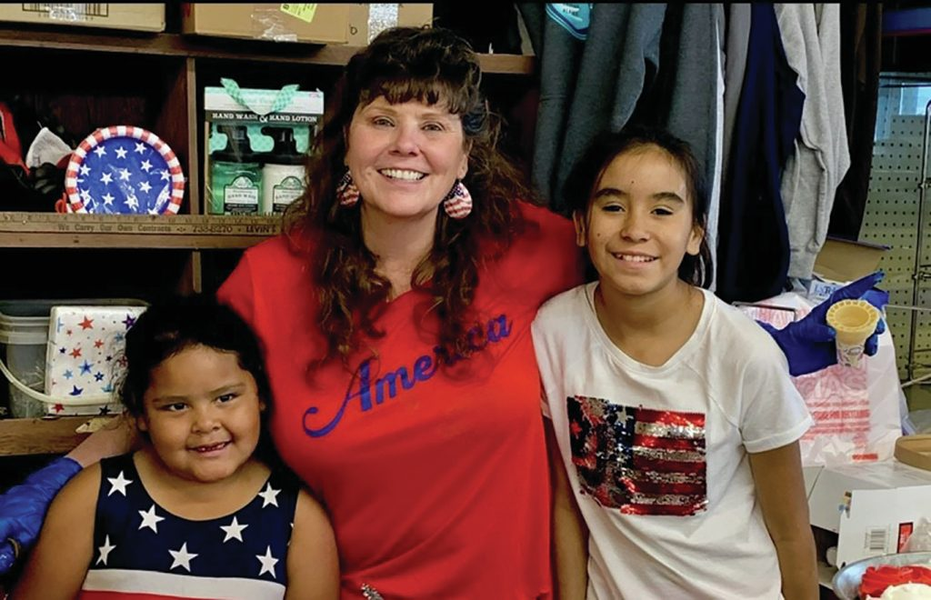 cynthia-erickson-with-kids-on-fourth-of-july